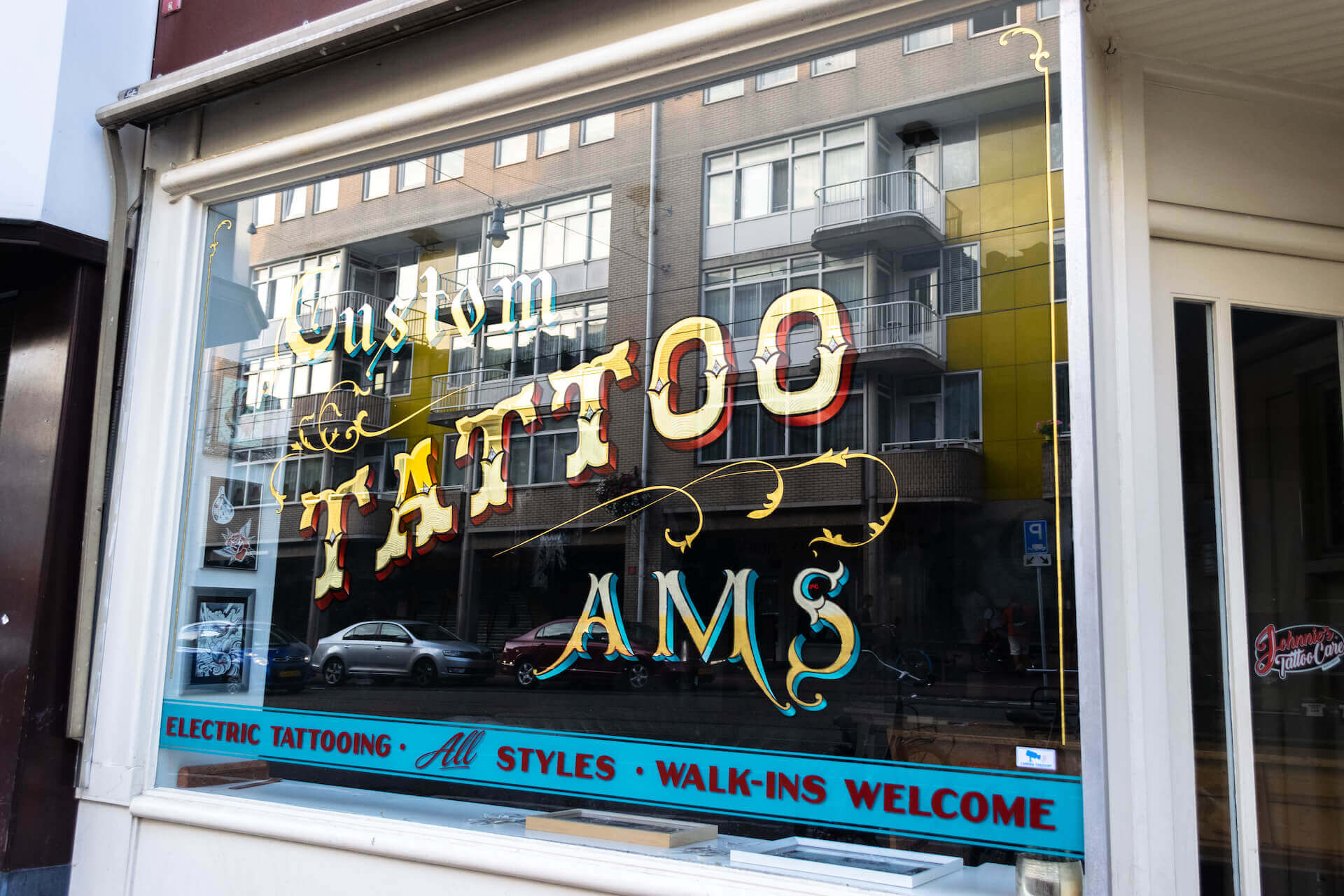Bladgoud op glas tattoo shop